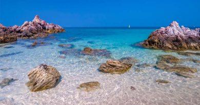 อันซีนหาดตายาย เกาะล้าน น้ำใสสวยงามไม่แพ้ฝั่งอันดามัน